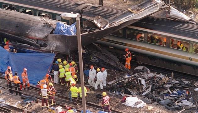 V �íjnu roku 1999 za�ila tragické vlakové ne�t�stí i Velká Británie. Na za�átku