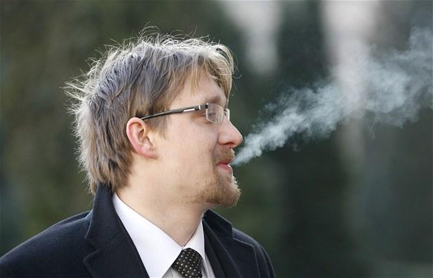 Ministr dopravy Pavel Dobe� p�ed jednáním Obvodního soudu pro Prahu 5. (9.
