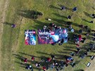 Vypuštění sondy přihlížela zhruba stovka diváků.