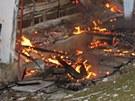 Dohasínající požár drůbežárny v Semechnicích na Rychnovsku.
