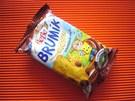 Sušenky BeBe Brumík s čokoládovou náplní, 1ks = 30 g, energie 504 kJ, bílkoviny 1,8 g, sacharidy 17,5 g, tuky 4,7 g. Komentář odbornice: Sušenka obsahuje vysoké procento tuku. Výhodou je její nízká gramáž a tedy i energetická hodnota.