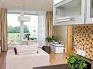 Přestože kuchyň není nijak velká, nechybí v ní veškeré běžné spotřebiče včetně