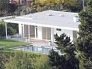 Obydlí je kompletně zrekonstruované a má velmi elegantní vzhled s čistými