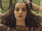 V 15ti letech zv�t�zila v sout�i Elite Model Look a hned se Denisa Dvo��kov�