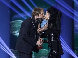 Ceny Anděl 2012 - Tomáš Klus (zpěvák roku) s Lucií Bílou