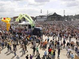 Na Loveparade 2010 v Duisburgu zahynulo několik lidí poté, co v davu vznikla