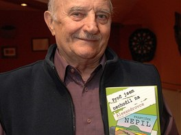 Josef Somr načetl fejetony Františka Nepila z knihy Proč jsem nechodil na