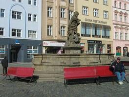 Na olomouckém Horním náměstí nyní nahradily staré a rozpadající se dřevěné