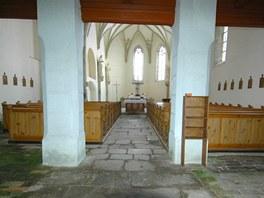 Interiér Kostela svatého Tomáše ve stejnojmenné obci