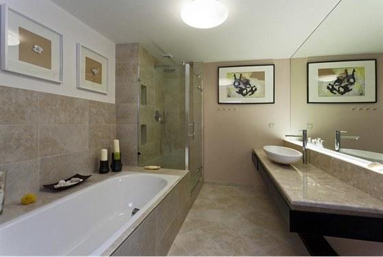 Koupelen je v bytě více, ta největší je v prvním podlaží, je zde vana i