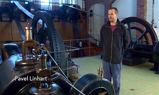 Pavel LInhart se stará o provoz parních strojů..