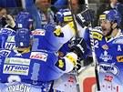 GÓÓÓL... A POSTUP. Hokejisté Komety Brno slaví první gól v síti Sparty. Byl to...