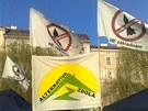 Na demonstraci p�i�la i organizace Ne z�kladn�m.