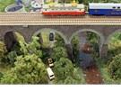 V kulturním domě ve Žďáře nad Sázavou obdivují děti i dospělí model železnice.