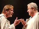 Jiří Štěpnička (vlevo) s Bronislavem Poloczkem v inscenaci Shakespearova
