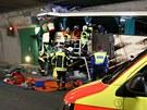 Havarovaný belgický autobus na švýcarské dálnici A9 (14. března 2012)