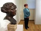 Tvar modr� Franti�ka Kupky a busta jeho �eny Eugenie Kupka jsou vystaveny v