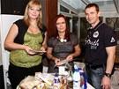 Lednice studentky Kamily byla plná nezdravých potravin.