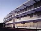 Budova má tvar koruny, skládá se ze šesti prvků.