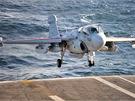 EA-6B Prowler jde na přistání
