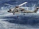 Výcvik posádek vrtulníků Seahawk při záchraně posádek letadel