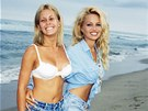 Nicole Eggertov� a Pamela Andersonov� v seri�lu Pob�e�n� hl�dka (1993)