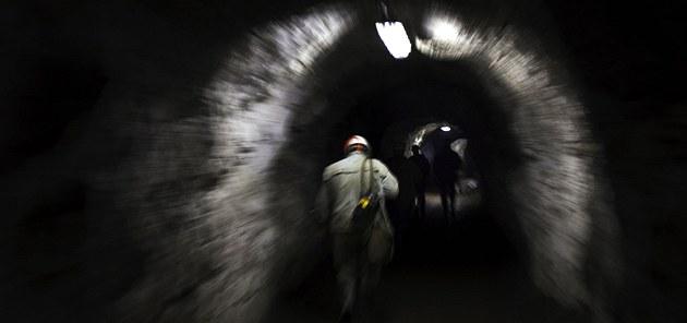 V obci Dolní Ro�ínka na ��ársku funguje poslední uranový d�l v �esku i celé EU.