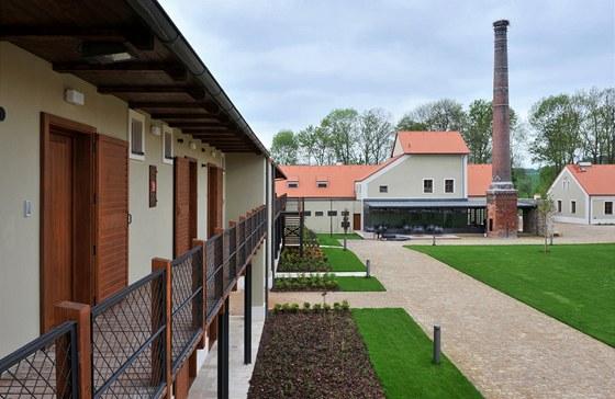 """Nově postavené budovy pro ubytování mají """"venkovsko-luxusní"""" charakter. Lihovar"""
