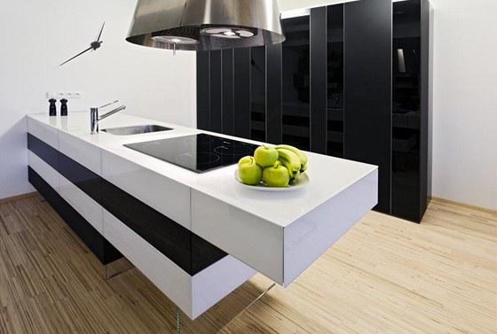 Hlavní přáním majitelky bylo, aby kuchyňský nábytek připomínal kuchyň co