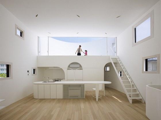 Firm� Future Studio se povedlo vyu��t motiv ov�lu a obl�ch hran nap��klad i p�i