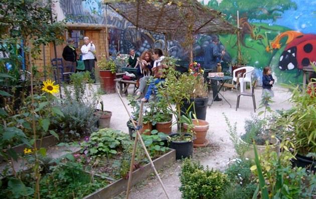 Idylka v zahrádkářské komunitě v Paříži