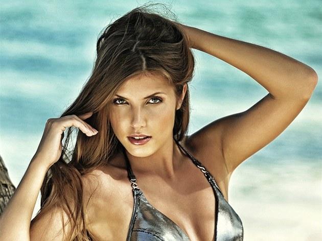Finalistka �eské Miss 2012 Ivana Lou�ová