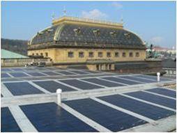 Fotovoltaický systém na střeše provozní budovy