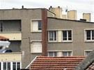 Apartm�nov� komplex v Toulouse, ve kter�m se skr�v� �dajn� vrah. (21. b�ezna