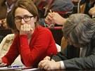 Lid� z Karvin� zcela zaplnili p�edn�kov� s�l Slezsk� univerzity, kde z�stupci