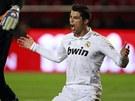 RADOST, NEBO ZKLAM�N�? Cristiano Ronaldo takhle reagoval na zahozenou �anci,...