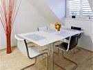 Skleněné podnoží u nábytku je nejen velmi estetické řešení, ale také po