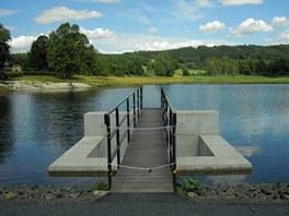 Stavidlo rybníka po rekonstrukci.