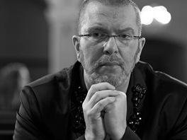 Richard Müller při natáčení klipu k písni Klid, mír a pokora