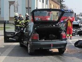Nehoda v Kostelci nad Orlicí (27. března 2012).
