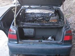Požár osobního automobilu Škoda Felicia v Trutnově (28. března 2012)