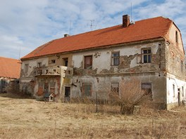 Vila patřící k lihovaru byla v dezolátním stavu.