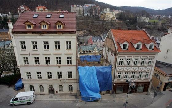 Historicky cenná budova z 18. století na Zámeckém vrchu v Karlových Varech je