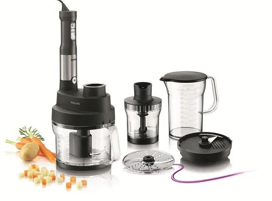 Tyčový mixér Avance (HR1659) dokáže (kromě jiného)nasekat  zeleninu i ovoce na