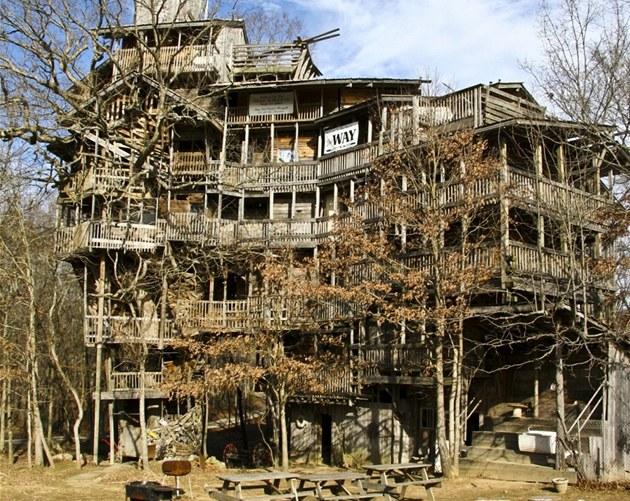 Postavil si dřevostavbu za 230 tisíc. obětoval jí jedenáct let