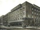 Honosný Palác Elektra v roce 1930.