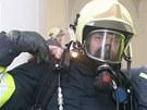 Cvičení hasičů v klášteře v Plasích na severním Plzeňsku.