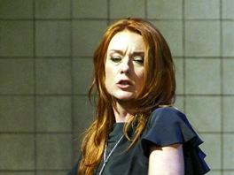 Magdalena Ko�en� v roli Carmen