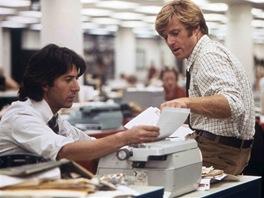 Dustin Hoffman a Robert Redford ve filmu Všichni prezidentovi muži (1976)