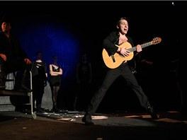 Pronásledovaný básník Francois Villon ožívá na divadle.